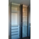 armário planejado para apartamento pequeno Araçariguama