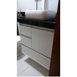 armário planejado para banheiro
